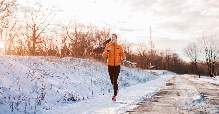 woman-running_cold-weather_winter-exercise