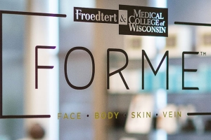 FORME Aesthetic & Vein Center Door